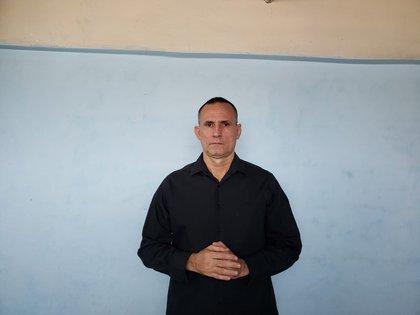 José Daniel Ferrer, coordinador de Unión Patriótica de Cuba, desde su prisión domiciliaria (Familia Ferrer / Infobae)