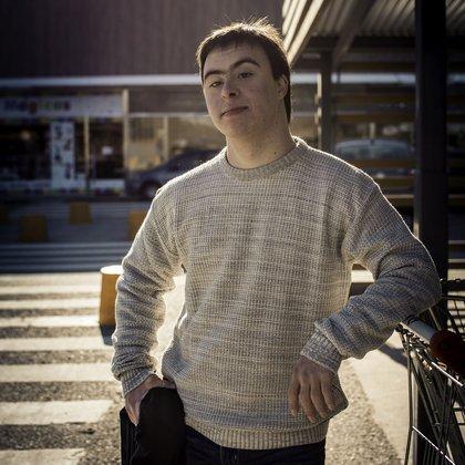 Franco, de 20 años, protagonizó por primera vez una campaña de indumentaria en su ciudad