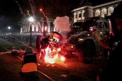 Una escena de las protestas en Kenosha el 25 de agosto (REUTERS/Brendan McDermid)