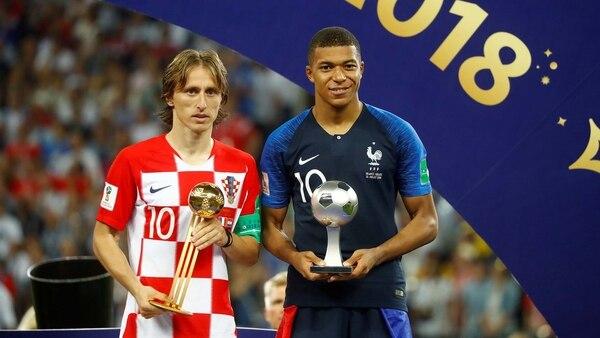 Modric y Mbappe, Balón de Oro y mejor jugador joven del Mundial (Foto: REUTERS/Kai Pfaffenbach)