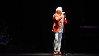 Sergio Denis en el teatro Mercedes Sosa
