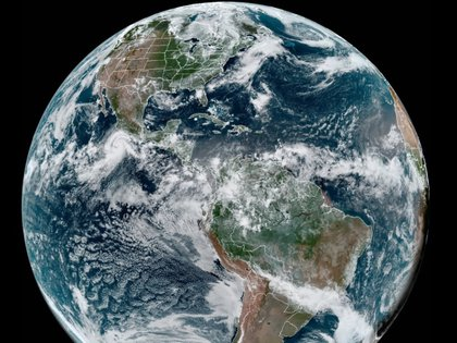 Baja California Sur también será afectado por lo que las autoridades locales han alertado a sus ciudadanos (Foto: RAMMB/NOAA)