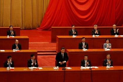 Xi Jinping en el 70° aniversario de la Guerra de Corea. REUTERS/Carlos Garcia Rawlins