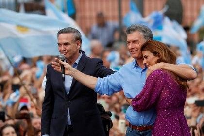 Pichetto junto a Macri y Juliana Awada en el acto de despedida de Cambiemos REUTERS/Agustin Marcarian