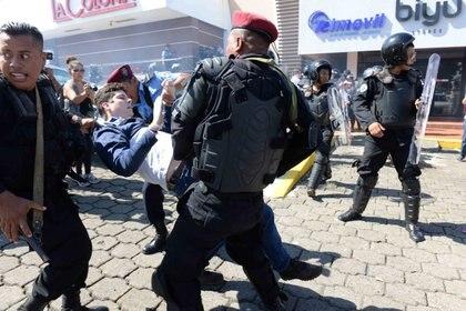 Cientos de personas han sido asesinadas por las fuerzas del régimen de Daniel Ortega desde el estallido sociopolítico de 2018 (Foto cortesía de La Prensa)