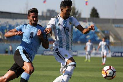 A River también le ingresará dinero por la venta de Facundo Medina al fútbol de Francia (EFE/Elvis González/Archivo)