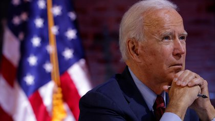 Democratic U.S. presidential nominee and former Vice President Joe Biden takes part in a health briefing about the coronavirus disease (COVID-19) in Wilmington, Delaware, U.S., October 28, 2020.   REUTERS/Brian Snyder