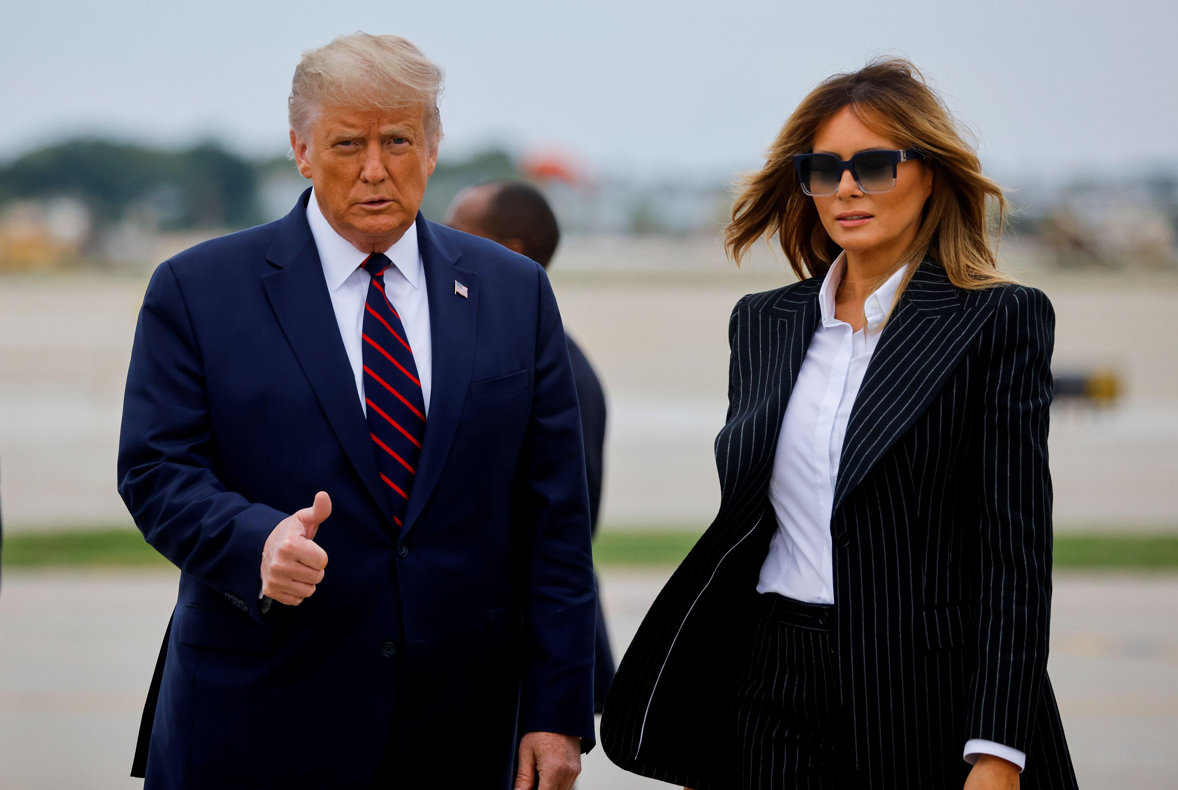 Donald Trump y Melania Trump. REUTERS/Carlos Barria/File Picture