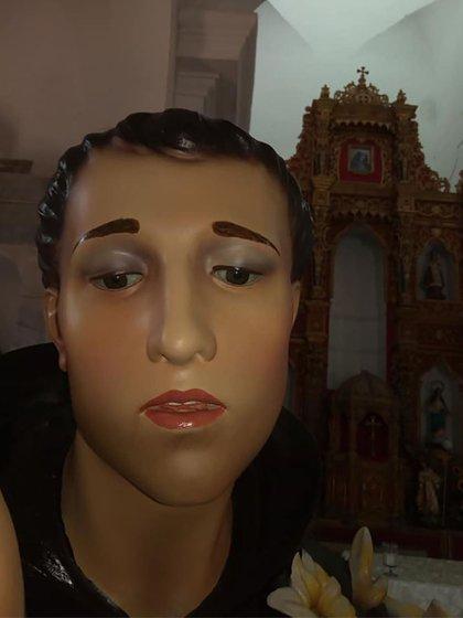 Así luce hoy la estatua del santo después de la restauración.