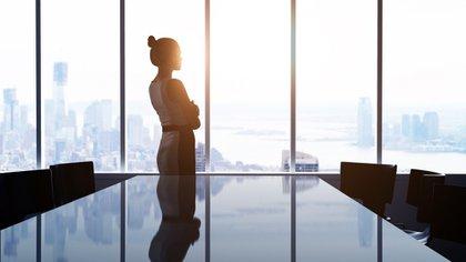 En Argentina el 82% de los trabajadores masculinos y 60% de las trabajadoras femeninas tienen un varón como jefe (iStock)