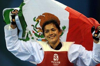 La triple medallista olímpica María del Rosario Espinoza, en Taekwondo, deberá derrotar a la medallista mundial Briseida Acosta, para ir a Tokio (Foto: Twitter)