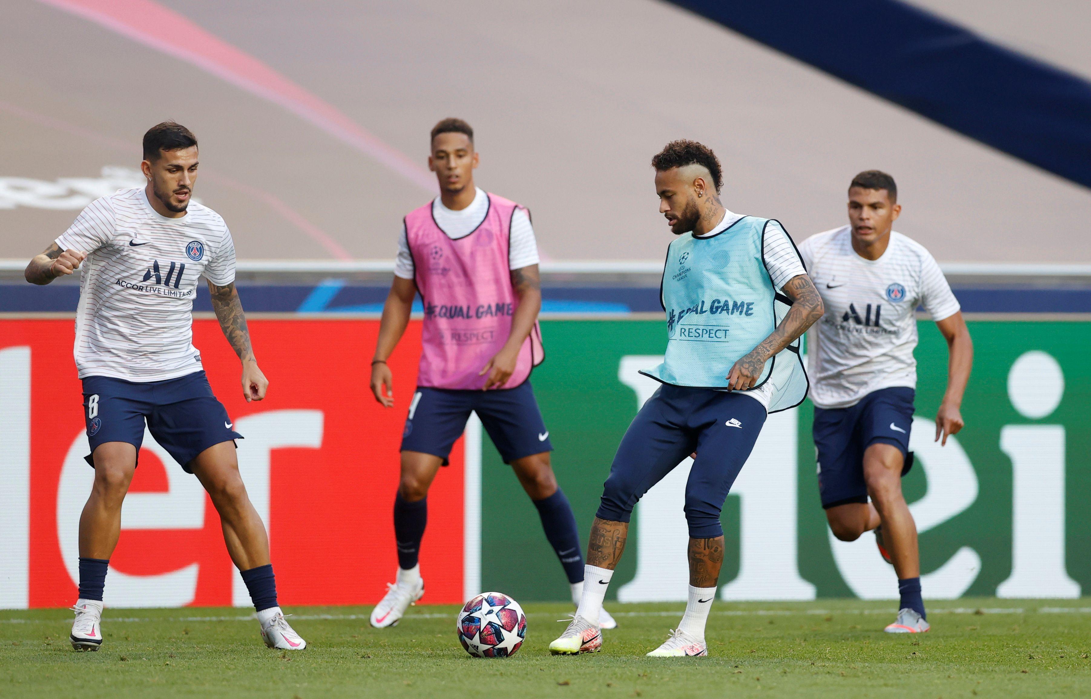 Neymar en el calentamiento previo a la gran final (REUTERS/Matthew Childs/Pool)