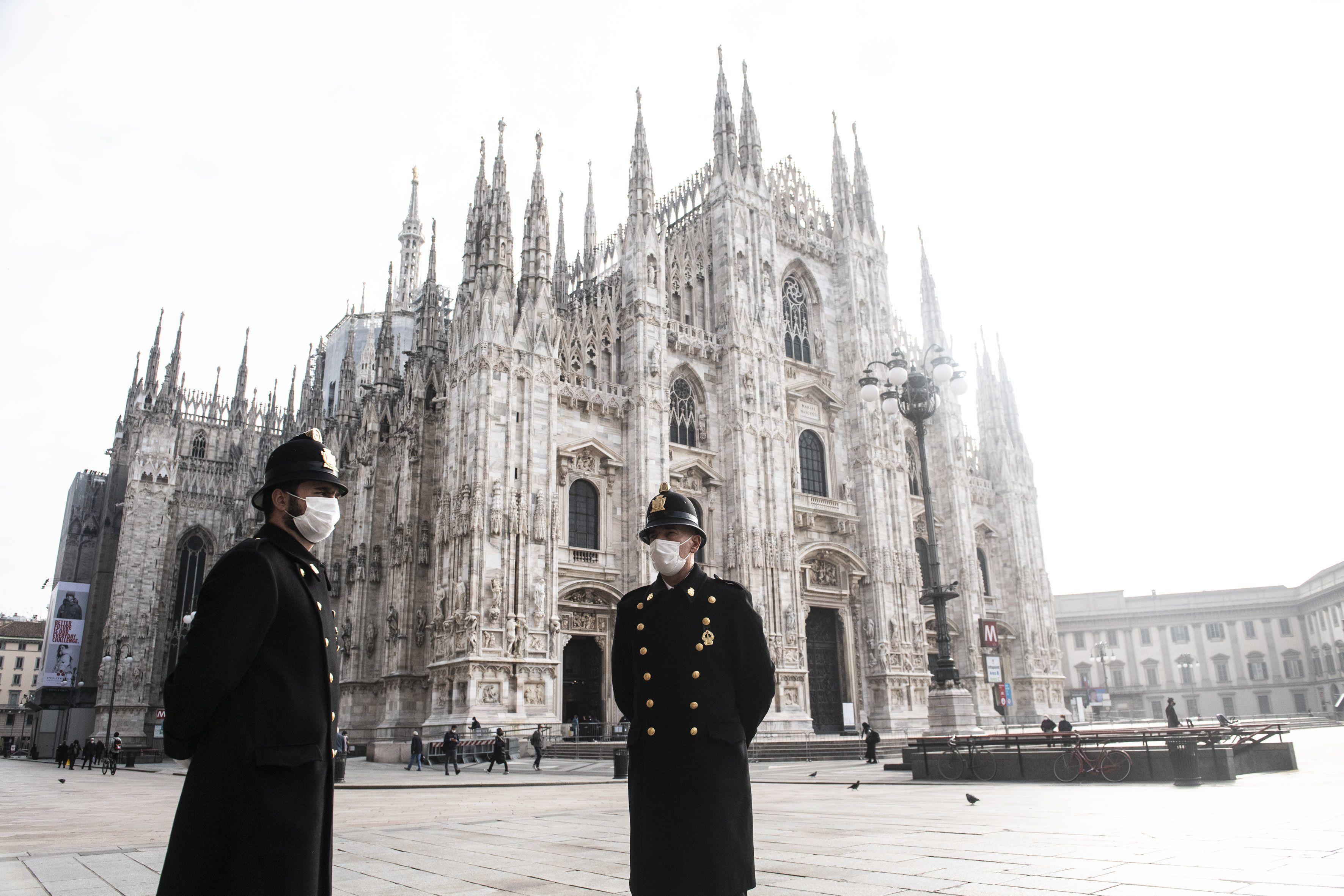 06/11/2020 Personas con mascarilla en Milán POLITICA EUROPA ITALIA MATTEO BIATTA / ZUMA PRESS / CONTACTOPHOTO