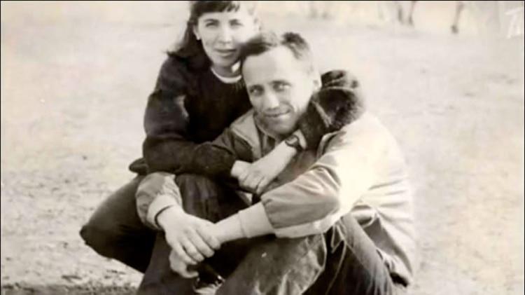 Popkov, junto a su esposa. Una teoría apunta que los asesinatos comenzaron cuando sospechó de una infidelidad, que según la mujer nunca ocurrió