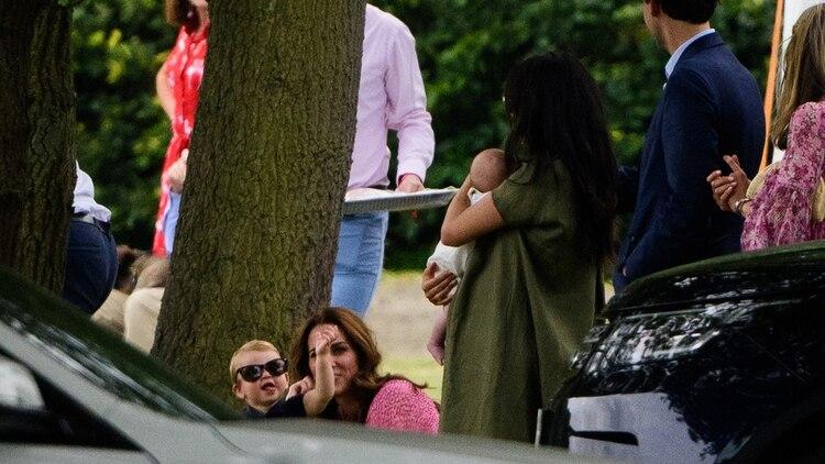 (The Grosby Group) Es una de las pocas veces que las duquesas compartenun evento familiar