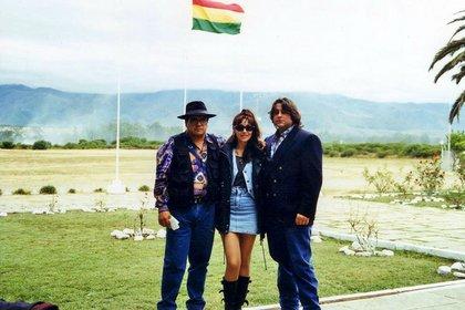 Gilda junto a su última pareja, Toti Giménez (izq.), durante una gira que realizaronpor Latinoamérica