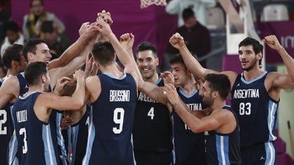 La selección masculina de básquet viene de ganar el oro en Lima 2019 y ser subcampeón del mundo en China (Reuters)