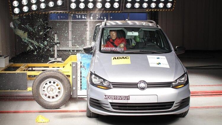 El VW Suran se quedo en tres estrellas.