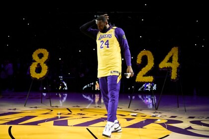 LeBron James rindió homenaje en el Staples Center de Los Ángeles tras la muerte de Kobe Bryant (AP Photo / Kelvin Kuo)