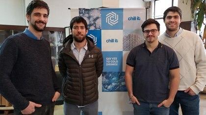Los emprendedores Luciano Cismondi, Santiago Schmidt, Nicolás Kölliker Frers y Pablo Esteban Di Lorenzo, de izquierda a derecha (@chillit_tech)