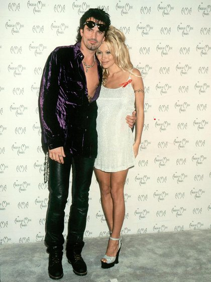 Tommy Lee con Pamela Anderson (Grosby Group)