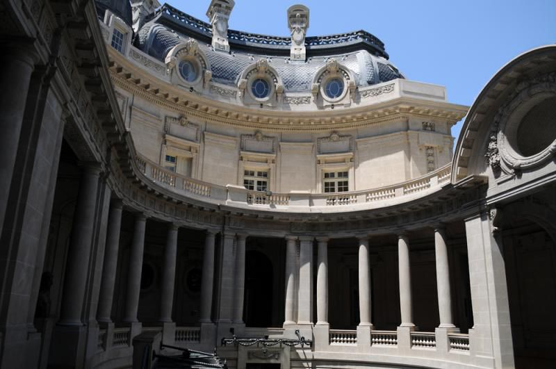 El patio interno del Palacio San Martín, ex Anchorena (Cancillería)