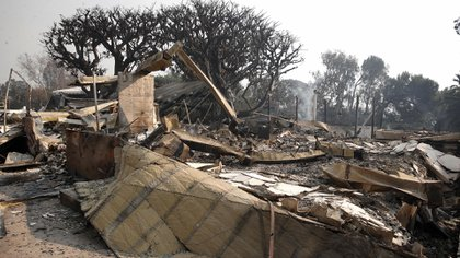 The remains of the custody of the Robien Thicke after the fire in California (EFE).