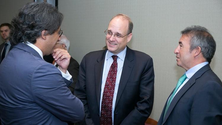 Garavano dialoga con Billingslea y Otamendi