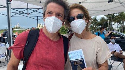 Miami Beach sigue vacunando contra el COVID-19: hoy aceptan turistas en el centro ubicado en playa hasta que se agoten las dosis