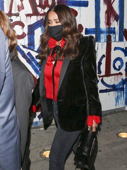 Luego de la entrega de los Globos de Oro, Salma Hayek salió a comer en Hollywood con su hija Valentina