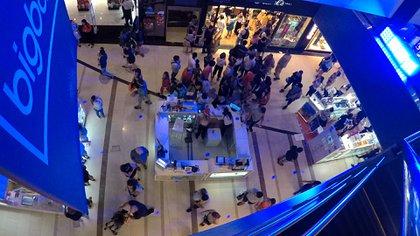 La circulación dentro de los pasillos de cada shopping será en un solo sentido