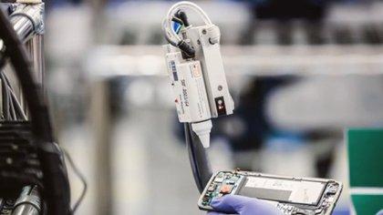 La empresa de la que es accionista Nicolás Caputo fabrica el 75% de los móviles de Samsung, el líder del mercado local (mirgor.com.ar)