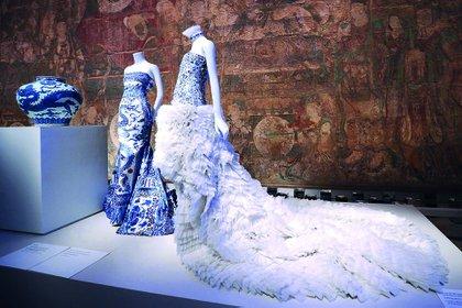 La muestra China a través del espejo atrajo más de ochocientas mil visitas al Met en 2015.