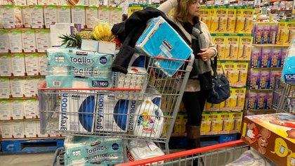 López-Gatell señaló que no es necesario que se compre papel de baño en grandes cantidades (Foto: Cuartoscuro/Omar Martínez)