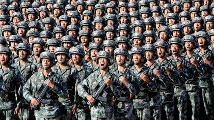 La decisión de China, de dotar a sus FF. AA. de capacidad expedicionaria que permita desplegar en cualquier lugar del mundo, es una señal del rumbo marcado por su actual dirigencia para su ascenso como potencia global. Foto: Archivo DEF.