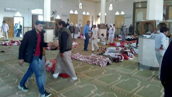 Las víctimas, apiladas en el interior de la mezquita