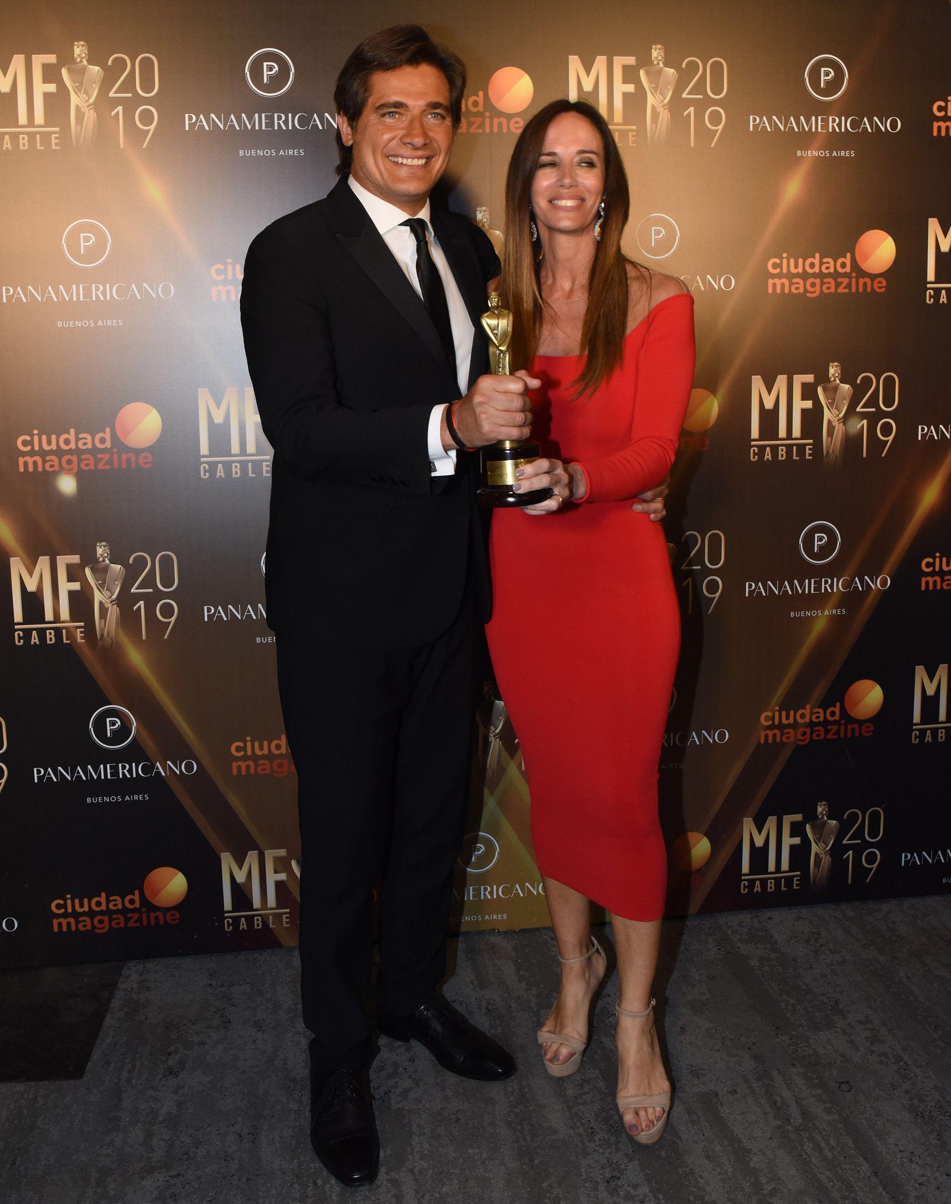 """Guillermo Andino y Carolina Prat se llegaron el premio almejor programa de servicios, por """"Andino y el país"""""""