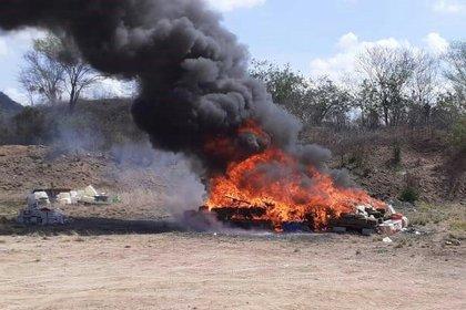 Más de dos toneladas de narcóticos fueron incinerados en Culiacán, Sinaloa. (Foto: FGR)
