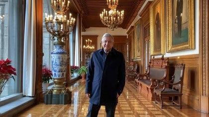 Alfombras, nuevos muros y un óleo de Lázaro Cárdenas: AMLO gastó nueve millones para remodelar Palacio Nacional