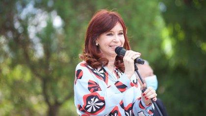 """Después del sobresimiento en """"dólar futuro"""", qué causas tiene Cristina Kirchner y en qué estado se encuentran"""