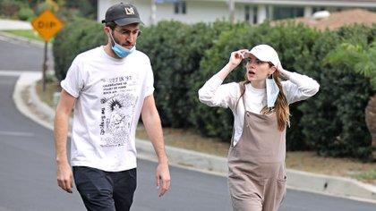 La actriz se casó  en secreto con el guionista Dave McCary en septiembre de 2020 (The Grosby Group)