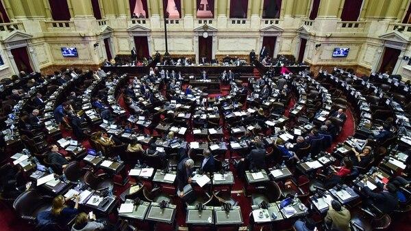 Diputados del oficialismo y de la oposición se pusieron de acuerdo para aumentar los impuestos