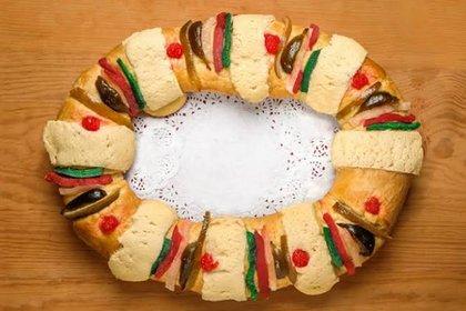 En la mañana del 6 tradicionalmente se come la Rosca de Reyes con la compañía de la familia y los seres queridos (Foto: Twitter)