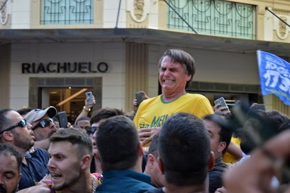 El momento del ataque contra Bolsonaro, antes de la elección