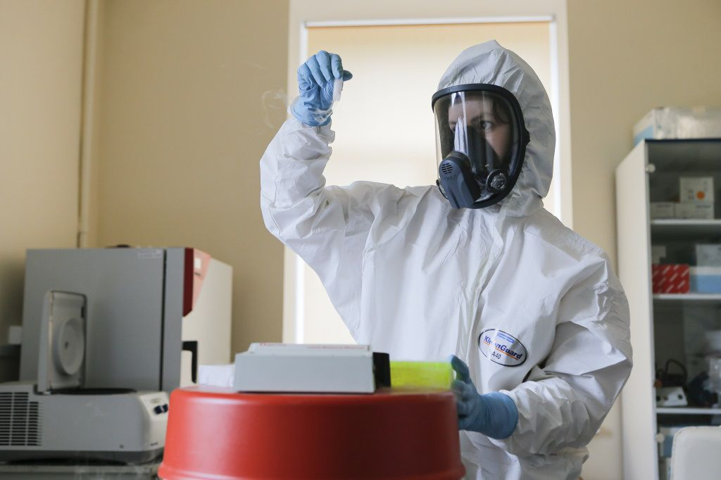 """16/09/2020 AMP.- Coronavirus.- Argentina autoriza el uso de """"emergencia"""" de la vacuna rusa contra la COVID-19.  Argentina ha cerrado también fronteras con ocho países entre los que está R. Unido  POLITICA EUROPA INTERNACIONAL RUSIA FIDR"""