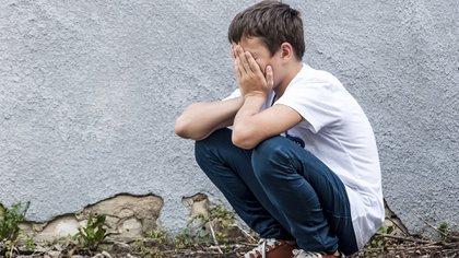 Como es uno de los males que aparece durante la infancia o adolescencia, se naturaliza fácilmente (iStock)