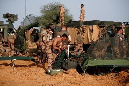 Soldados franceses del Grupo Táctico del Desierto acampan en la región de Gourma, en Mali. REUTERS/Benoit Tessier/File Photo