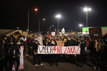 EFE/EPA/SZYMON LABINSKI POLAND OUT
