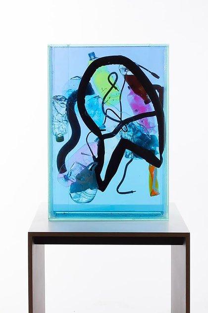 -Air Box (2018), Diego Bianchi Vidrio, agua, objetos (81 x 56 x 15 cm). (Bruno Dubner)