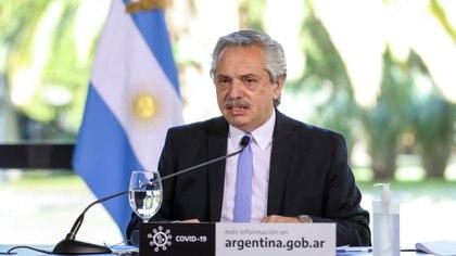 Alberto Fernández tuvo que explicar la postura intermedia que mantiene Argentina con respecto a Venezuela